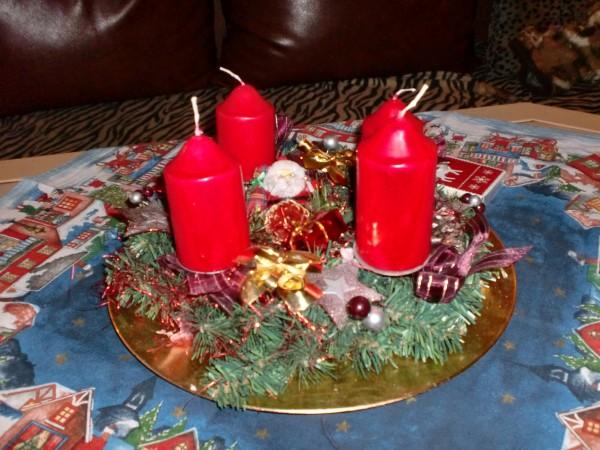 gelis weihnachtsseite der adventskranz. Black Bedroom Furniture Sets. Home Design Ideas